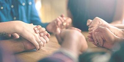 Молитвенная группа изображение