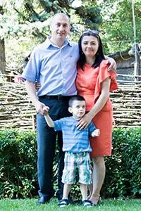 Владимир Нижник с семьей свидетельство фотография