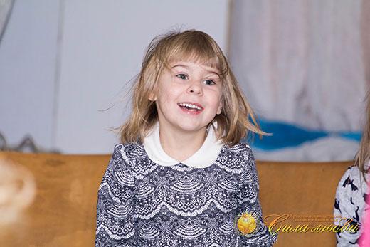 Анечка на детском клубе фото 2 декабря