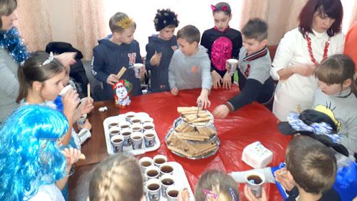 Чаепитие на детском клубе 6 января фотография