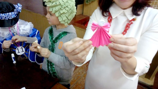 Поделки на детском клубе 6 января фотография