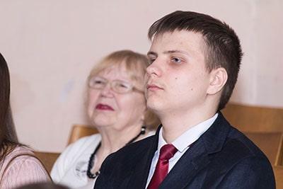 На проповеди в церкви в Киеве об отношениях родителей и детей фотография