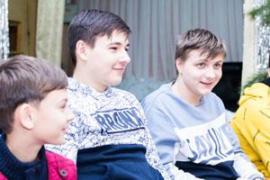 Ребята на молодежном клубе 12 января картинка